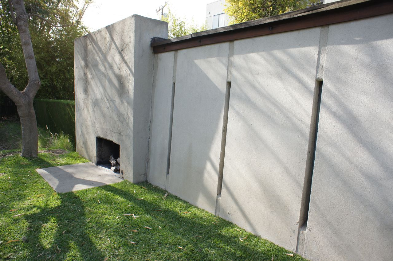 tilt up walls of the schindler house and outdoor fireplace