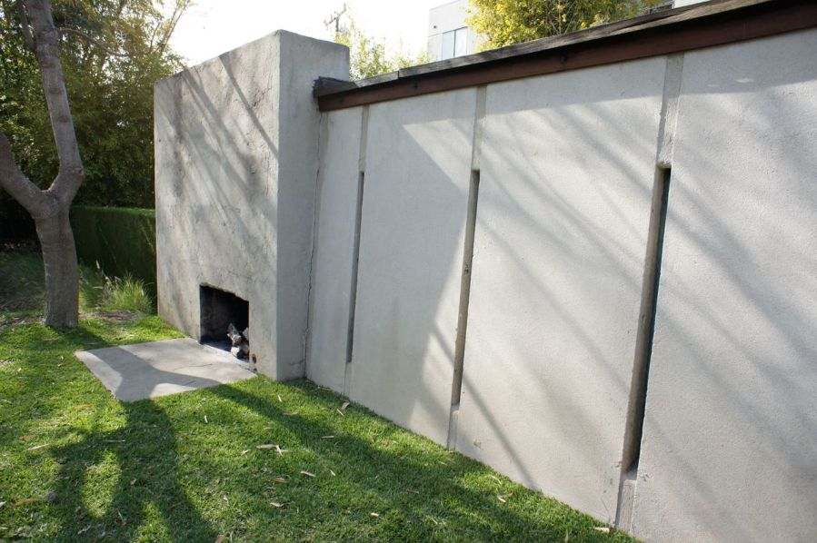 Tilt Up Walls Of The Schindler House And Outdoor