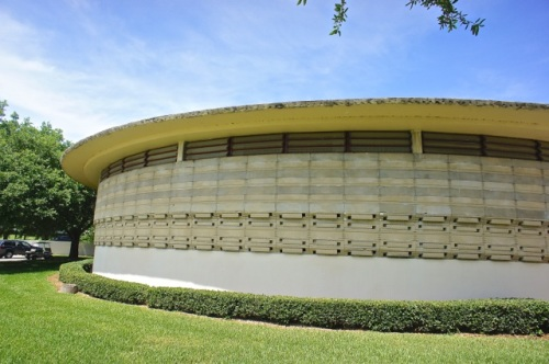 E.T. Roux Library constructed of curved textile blocks